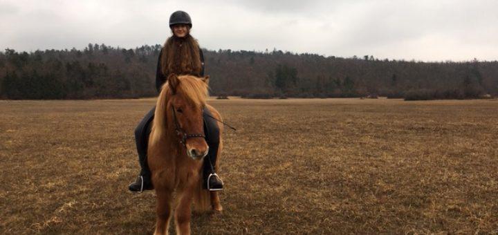 Skozi oči - Katarina na konju